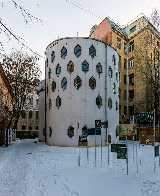 640px-Melnikov_House_in_MSK_(img2)